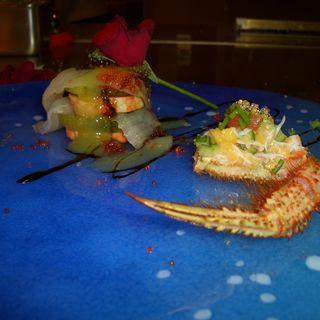 毛ガニと鮮魚のムースカルパッチョ(ブラッセリー トモ (Brasserie Tomo))