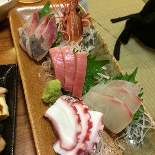 刺身5種盛り(宵・酔・亭 煖 (よいよいてい だん))
