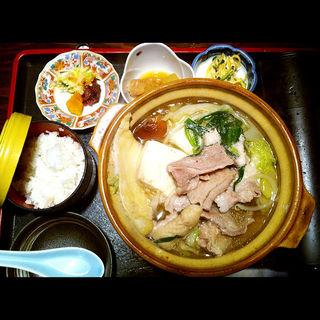 鶏牛もつちゃんこ定食(江戸沢 両国店 (えどさわ))