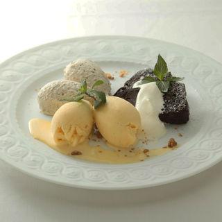 ガトーショコラ アイス添え(ル・カフェ・ベルトレ (Le cafe BERTHOLLET))