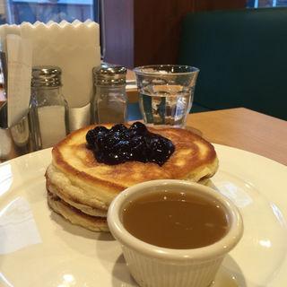 パンケーキ with メープルバターブルーベリー(クリントン・ストリート・ベイキング・カンパニー (CLINTON ST. BAKING COMPANY & RESTAURANT))