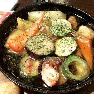 夏野菜とタコのカレー風味アヒージョ(Kirara 西梅田店 (キララ))