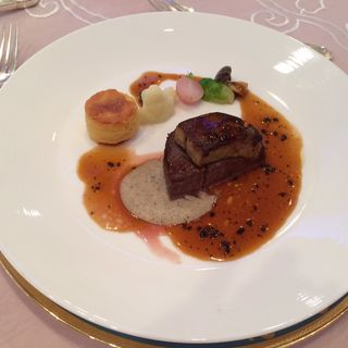 牛フィレ肉とフォアグラのトゥヌルド・ロッシーニスタイル (ホテルモントレ 大阪 (HOTEL MONTEREY))