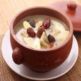 薬膳鶏上湯スープ(谷泰豊 (グタイフォン))