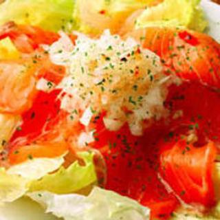 サーモンのサラダ(昭和酒場 黄金バット )