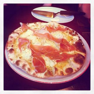 生ハム&クリームチーズのピザ