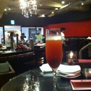 つぶつぶ苺&シャンパン(LOBOS 銀座 (ロボス))