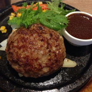 モッツアレラ手ごね牛挽き100%石焼ハンバーグ(ラシーン 新宿店 )