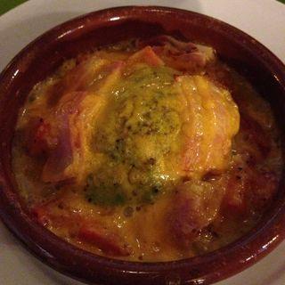 アボガドとベーコンのトマトチーズの焼き(マドッシュ!カフェ (madosh!cafe))