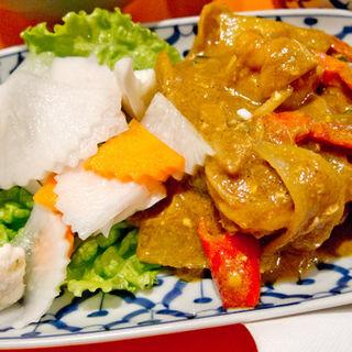 海老と野菜のカレー炒め(ワンタイタイレストラン)