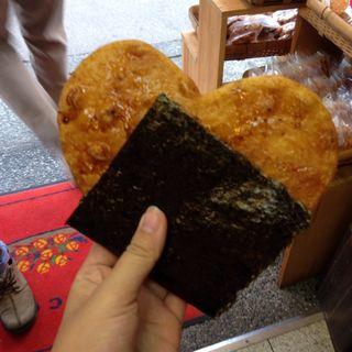 焼きたて大煎餅(ハート)(雷神堂 長谷大仏店)