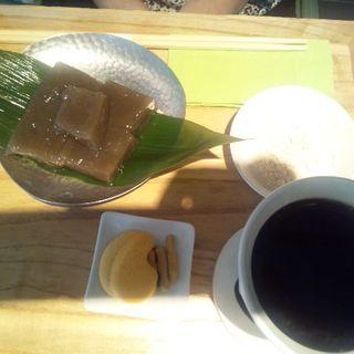 わらび餅(茶庭 然花抄院 渋谷ヒカリエ ShinQs店 (ぜんかしょういん))