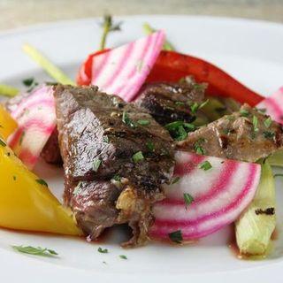 オーストラリア産骨付きラム肉のソテー(ボナペティート)