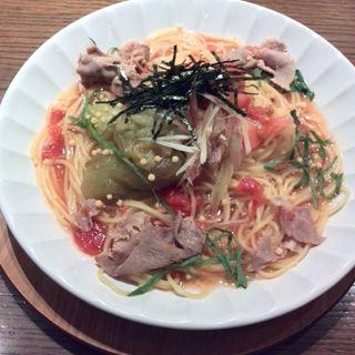 焼きなすと豚しゃぶの生姜トマトだし(カフェドファリニエール)