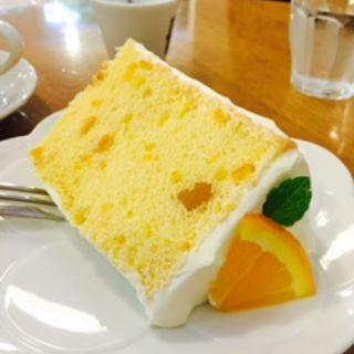 オレンジシフォンケーキ(ラ・ファミーユ (La Famille))