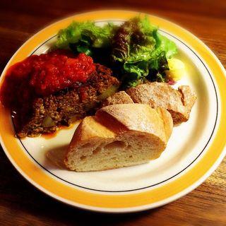 ミートローフとパンのセット(イリヤプラスカフェ (iriya plus cafe))