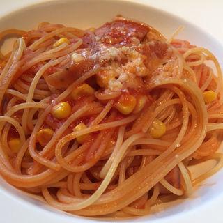 山武産なでしこポークソーセージとトウモロコシのトマトソース チーズがけ(トラットリアボッソ (Trattoria BOSSO))