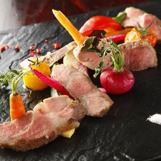 オーガニック野菜とイベリコ豚の肩ロースステーキ(セルジオ ストロベリー (SERGIO STRAWBERRY))