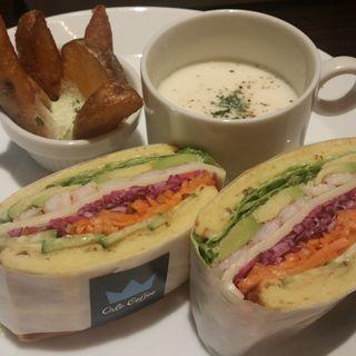 海老とアボカドとフレッシュ野菜のサラダサンド (オスロ コーヒー 横浜ザ・ダイヤモンド店 (OSLO COFFEE))