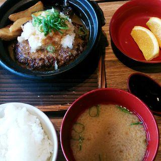たっぷり野菜の和風おろしハンバーグ定食(さち福や ミウィ橋本店 )