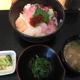 海鮮丼ランチ (魚竹 麻布十番店)