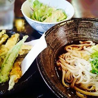 野菜天ぷらのうどん(冷)(空麦 )