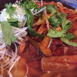 葱油叉焼刀削麺(ツォンユートウショウメン)(張家)