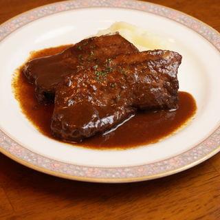 牛ホホ肉のの赤ワイン煮込み(ビストロ ダンドリヨン )