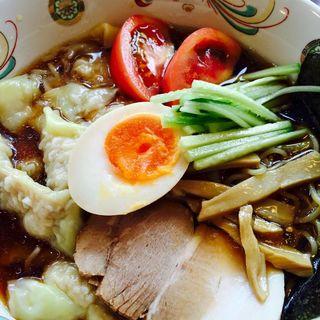 冷やしワンタンメン(中華料理 栄楽)