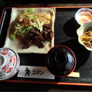 鯨肉定食(コタン )