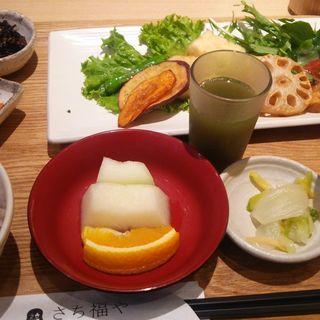 彩野菜と揚げ出し豆腐のあんかけ(さち福やCAFE 汐留シティセンター店 )