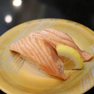 トロサーモン炙り(まぐろ問屋 三浦三崎港 横浜ワールドポーターズ店)