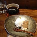 ケーキセット/ごま豆乳モンブラン+コーヒー