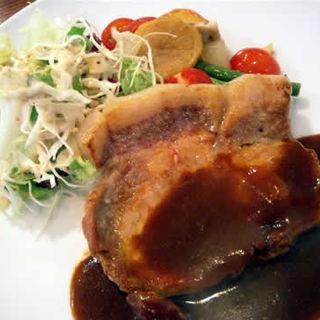 茶美豚ロースソテー(洋食 泉 (IZUMI イズミ))