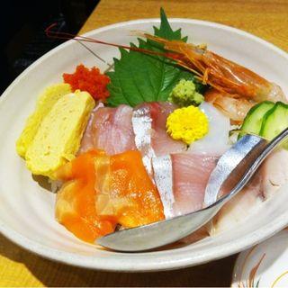 海鮮丼(牛タン炭焼き 利休 渋谷ヒカリエ店)