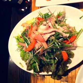 ハスの茎と茹で豚のサラダ