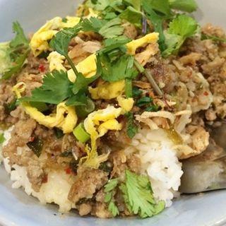 豚ひき肉のレモングラスそぼろご飯(オーセンティック)
