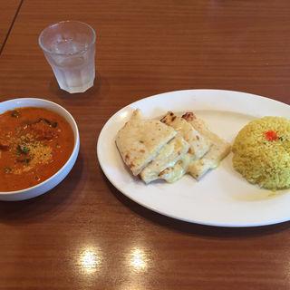 夏野菜と炭焼きチキンの極みカレー、ハーフチーズナンセット(アバシ 小田部店 )