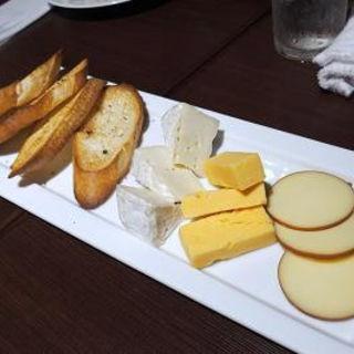 チーズ盛合せ(ピッツァアンドワイン アジト 新横浜店 (PIZZA&WINE AJITO))