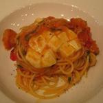 小海老、大葉、モッツァレラチーズのフレッシュトマトスパゲティ