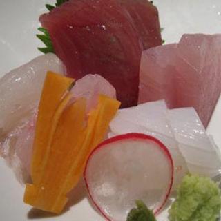 季節の魚介盛合わせ あしらい一式(泉岳寺門前 紋屋 (せんがくじもんぜん もんや))