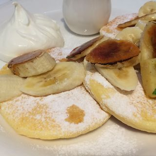 キャラメルバナナパンケーキ(カフェ クッチーナ&カンパニー )
