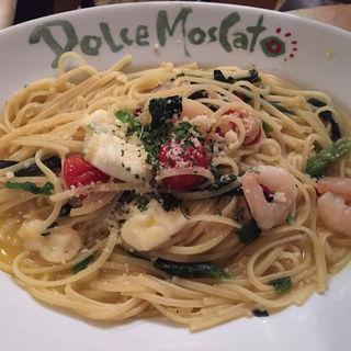 エビとほうれん草のアーリオオーリオ(ドルチェモスカート 心斎橋店 (Dolce Moscato))
