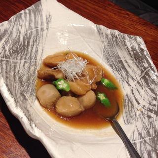 沖縄地鶏とコロコロ里芋のあまから煮込み(飯家おかん ひま和り (ヒマワリ))