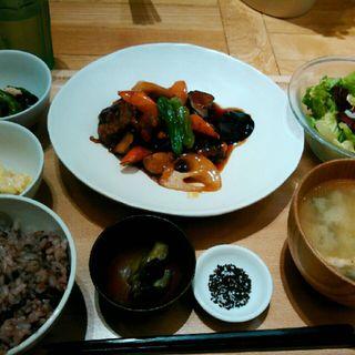 鶏の甘酢炒め(おぼんdeごはん ルミネ北千住店 (オボンデゴハン))