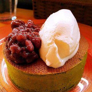 静岡茶の緑 国産純生クリームと粒あんで(雪ノ下銀座 )