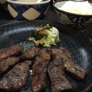 牛タン定食(まるたん )