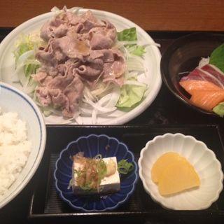 牛しゃぶサラダ定食(日本海庄や 栃木駅前)