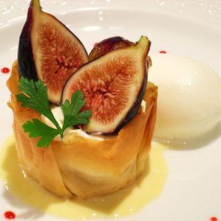 無花果のパイ包み(レストラン エクロール (RESTAURANT ECLORE))