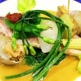 真鯛のソテー ロイヤルバターソース(レストラン エクロール (RESTAURANT ECLORE))